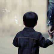 Započela isplata pomoći za RODITELJE ODGOJITELJE – one koji kod kuće skrbe o troje i više djece