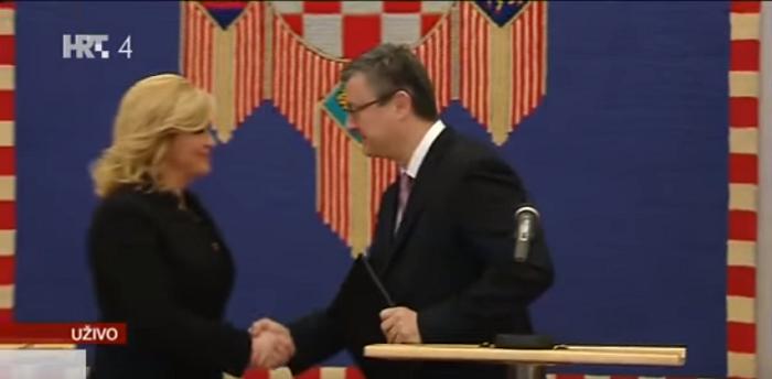 Kolinda i Orešković zbog velikog skandala zajednički SMJENJUJU ŠEFA TAJNE SLUŽBE