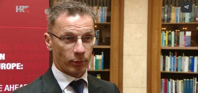 Lovrinović: Vujčić PUKAO u Saboru, VRIJEĐAO i prijetio jer se boji prijave zbog Franka i RBA zadruga!