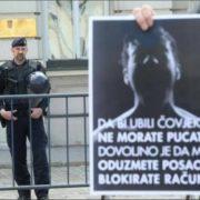 OBMANA, A NE POMOĆ LJUDIMA: Propale Vladine mjere za prezadužene: Deblokirani su opet BLOKIRANI!