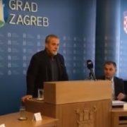 Bandić uručio prvih 100 rješenja za pomoć roditeljima: 'Spašavam hrvatske obitelji'