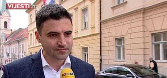 Bernardić: Radnicima otkazuju ugovore, a kupuju nova vozila. Je li to primjereno?
