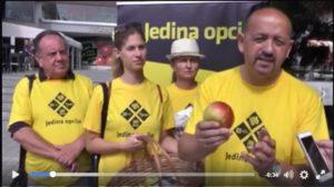 Lovrinović s jabukom u ruci
