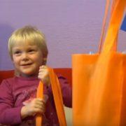 Započela isplata novčane pomoći za RODITELJE ODGOJITELJE, one koji skrbe o troje i više djece