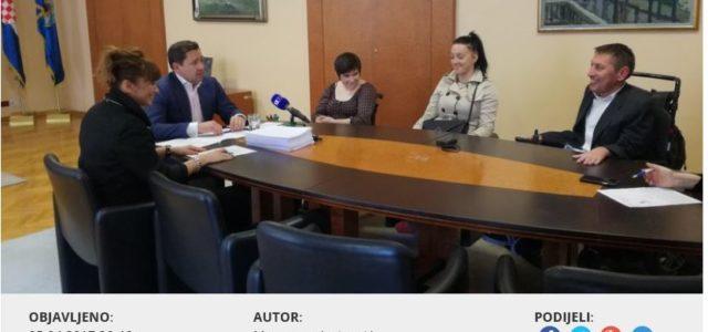 Upoznali Mikulića s problemima osoba s invaliditetom i na diskriminaciju neke djece