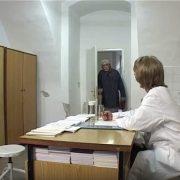 SUSTAV U RASPADU: Pacijenti umiru, frustrirani RAZBIJAJU po bolnicama; struka upozorila da će se to dogoditi!