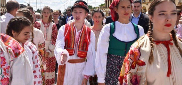 DAN HRVATA IZVAN RH trebao bi biti 22. kolovoza, iseljenici pozvani DA SE IZJASNE o prijedlogu