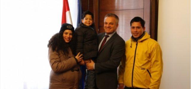 Nova hrvatska državljanka, Frances Marie Anne iz Perua, imat će prilike istražiti svoje bračke korijene