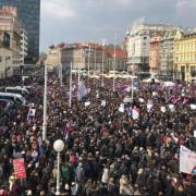 BLAMAŽA MUP-a: Ljudi masovno ISMIJAVAJU PROCJENU o 5000 prosvjednika na krcatom Trgu!
