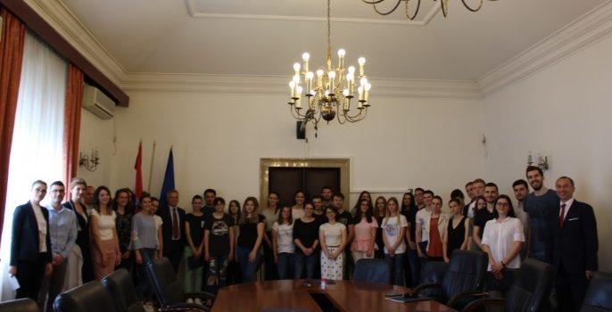 Potpisani ugovori o STIPENDIJAMA sa studentima HRVATIMA IZ ISELJENIŠTVA koji studiraju u Zagrebu