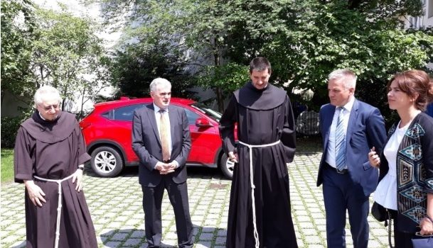 Državni tajnik Milas u Münchenu predstavio nove inicijative Ureda prema Hrvatima u iseljeništvu