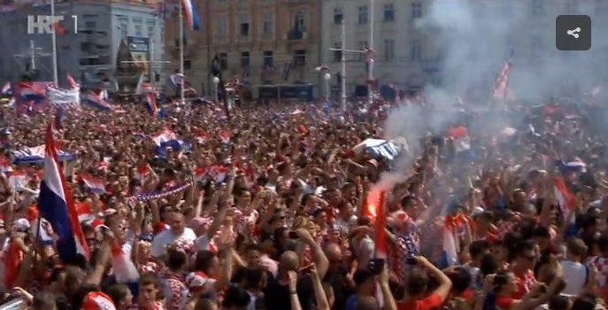BUJICA OSJEĆAJA: Vatreni stigli, na Trgu LUDNICA, stotine tisuća ljudi, suze na licima, sve kipti od emocija, nikad viđeno!