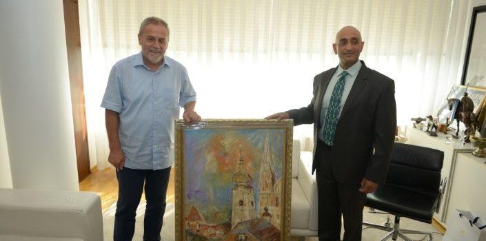 Veleposlanik Indije na odlasku iz Zagreba poklonio Bandiću sliku Katedrale koju je sam naslikao