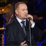 POVRATAK, A NE ODLAZAK: Mate Bulić pjeva za povratnike; cilj je potaknuti zajedništvo domovine i iseljeništva