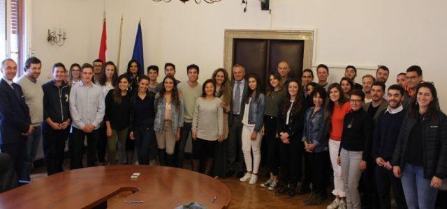 POTICANJE POVRATKA: Dodijeljenje stipendije za učenje hrvatskoga za 57 potomaka hrvatskih iseljenika