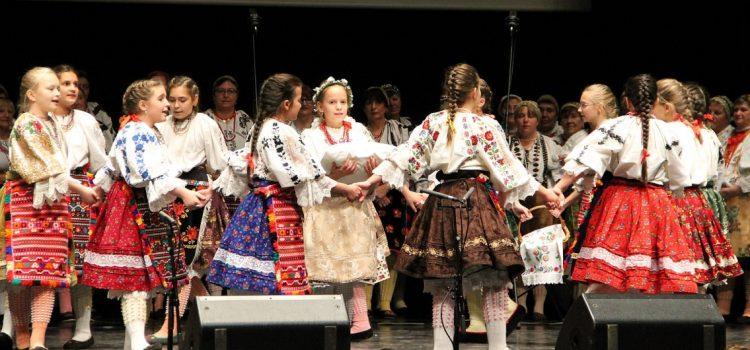 PEČUH: Proslavljen DAN HRVATA u Mađarskoj, diče se novim Hrvatskim kazalištem i Hrvatskim domom