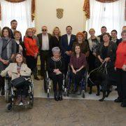 GRAD ZAGREB: U SVE niskopodne TRAMVAJE ugrađuju rampe za ulaz osoba s invaliditetom