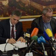 Goran Marić i Milan Bandić potpisali ugovor o darivanju parcele za sljemensku žičaru
