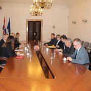 Državni tajnik Milas razgovarao s predstavnicima Hrvata u Srbiji o njihovom položaju u toj državi