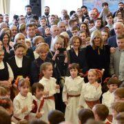 HRVATSKI MOJ JEZIK: Argentinka pjevala Lijepu našu, Kineskinja recitirala Pupačića, Makedonka Tina Ujevića