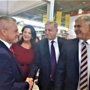 MOŽE LI KINA POTAKNUTI RAZVOJ? Na Sajmu u Mostaru Kinu predstavlja 50 tvrtki, Milas i Horvat uime RH