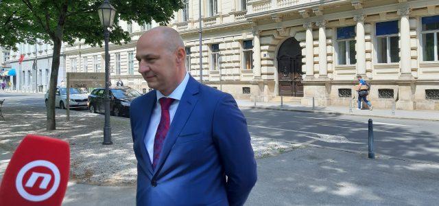 Kolakušić pozvao DIP da se suzdrži od daljnjeg kršenja Ustava i da promatračima OMOGUĆI NADGLEDANJE izbora