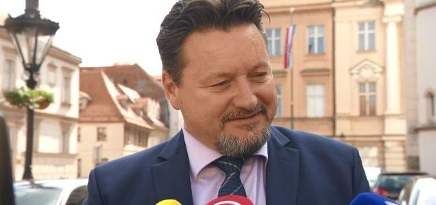 Kuščevića DORH tereti za VELIKU PRIJEVARU: Vijećnici NI NE ZNAJU da su, kao, predložili izmjenu koju je Lovro lažirao!