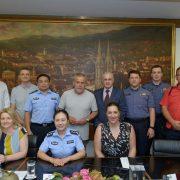 Kineski policajci rade u 1. policijskoj postaji u Zagrebu, posjetili su i gradonačelnika Bandića