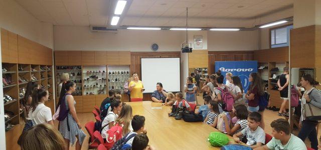 Polaznici Ljetne škole hrvatskog identiteta obišli tvornicu Borovo, Ilok i rodnu kuću Lavoslava Ružičke