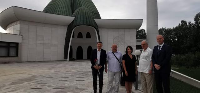 KURBAN BAJRAM: Jelena Pavičić Vukičević posjetila Islamski centar u Zagrebu i susrela se s vjernicima