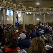 Krajnje je vrijeme da se iseljenim Hrvatima pruže racionalni razlozi za povratak u domovinu
