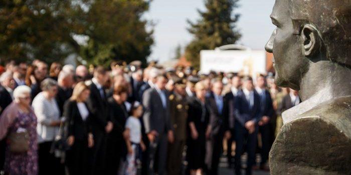 Bandić supruzi Blage Zadre: Glavni grad će naći načina odužiti se prvom heroju Vukovara