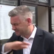Langer: Ne znam kako se gradonačelnik usudi tužiti građanina KOJI GA PLAĆA! Što da sam mu rekao da je IDIOT?