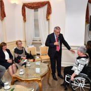 Bandić pozvao osobe s invaliditetom da ih upozore na to što u gradu škripi, što im otežava kretanje