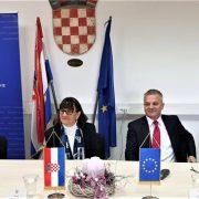 Dodijeljene POTPORE za projekte poticanja povratka i ostanka Hrvata u BiH u vrijednosti od 3,8 MILIJUNA KUNA