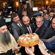 Prijem u Sheratonu u povodu pravoslavnog Božića; novčić u kruhu pronašao snimatelj RTL televizije
