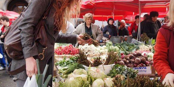 NAPOKON: Od danas se na tržnicama može kupiti i VOĆE I POVRĆE te mliječni proizvodi