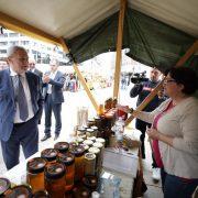 Udruga branitelja proizvođača hrane prodaje SLAVONSKE SPECIJALITETE na Trgu bana Jelačića