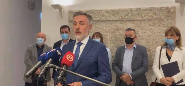 Škoro: Ljudi mi govore kako ih današnji istup Plenkovića podsjeća na najave uhićenja iz totalitarnih vremena
