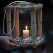 USUSRET BOŽIĆU Izviđači donijeli Betlehemsko svjetlo mira u zagrebačku Gradsku upravu