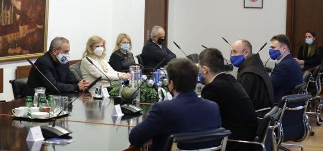 Gradišćanski Hrvati, u suradnji sa Zagrebom, daju novac za vukovarske dječje vrtiće; prikupili 30.000 eura