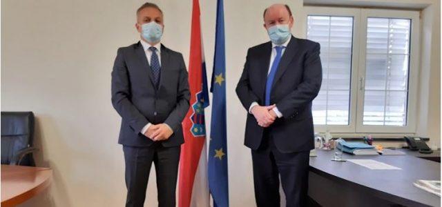ZEMLJA ZA PRIMJER: Veleposlanik Irske i državni tajnik Milas razgovarali o jačem povezivanju s dijasporom