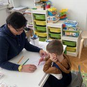 Kada roditelj uvidi da nešto nije u redu s razvojem djeteta, pedijatar mu kaže da pričeka; to je KRIVO!